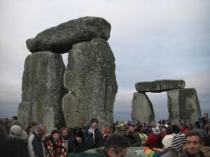 Stonehenge_Winter_Solstice_2007